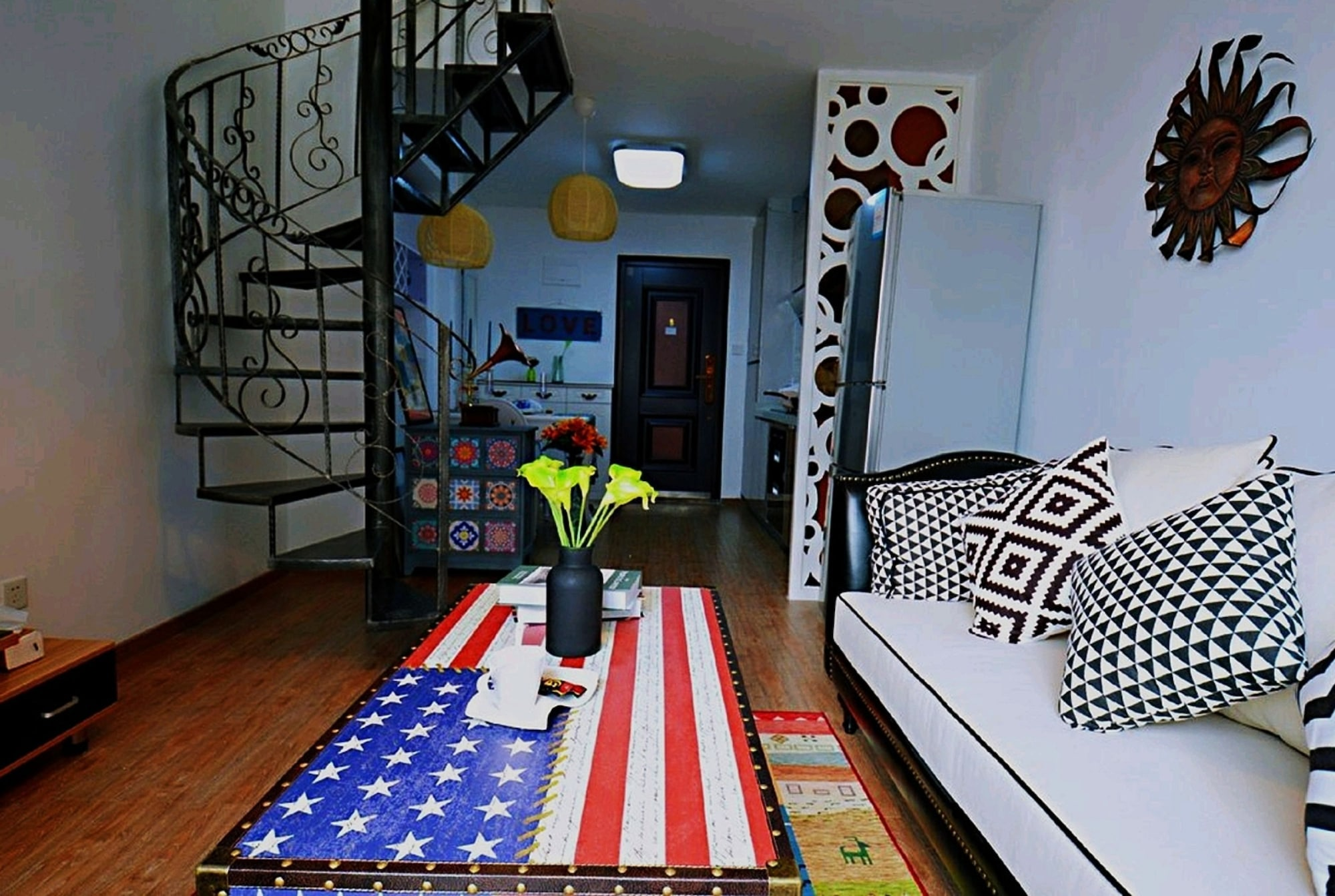 Avatar American Style Large Queen Bed Apartment, Shenzhen
