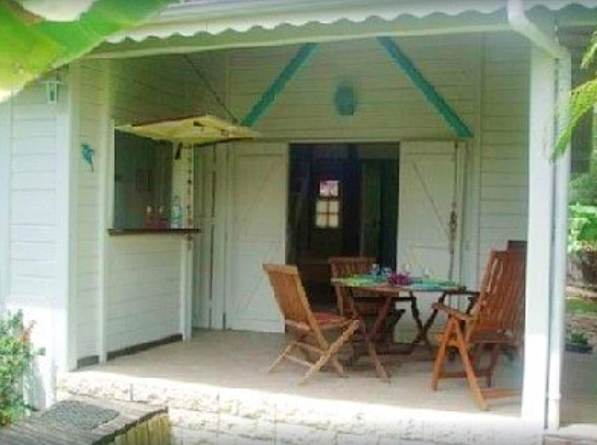House With 3 Bedrooms in Saint Anne , With Enclosed Garden and Wifi, Fort-de-France