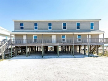 Ledlow by Meyer Vacation Rentals