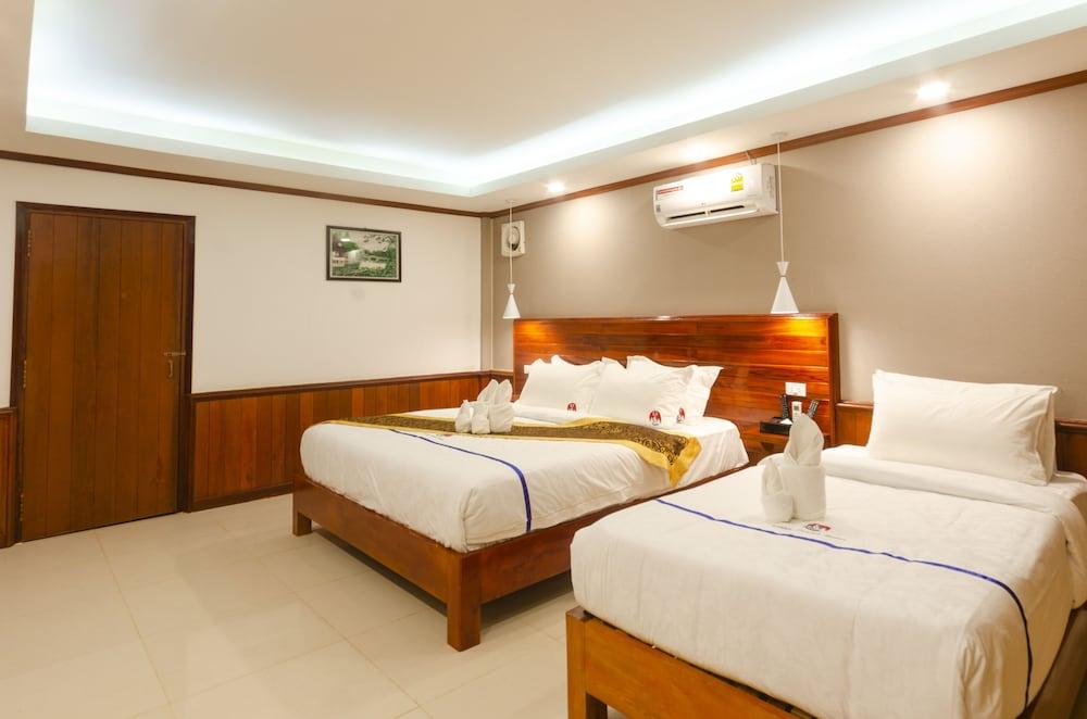https://i.travelapi.com/hotels/45000000/44980000/44977100/44977042/34fe380b_z.jpg