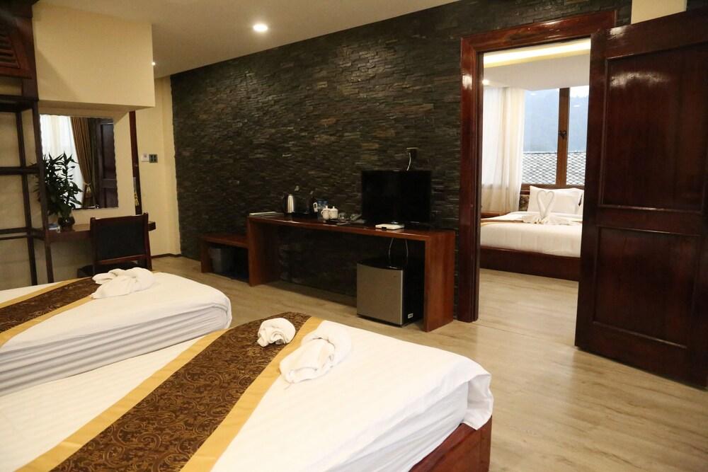 https://i.travelapi.com/hotels/45000000/44980000/44977100/44977042/3625214c_z.jpg