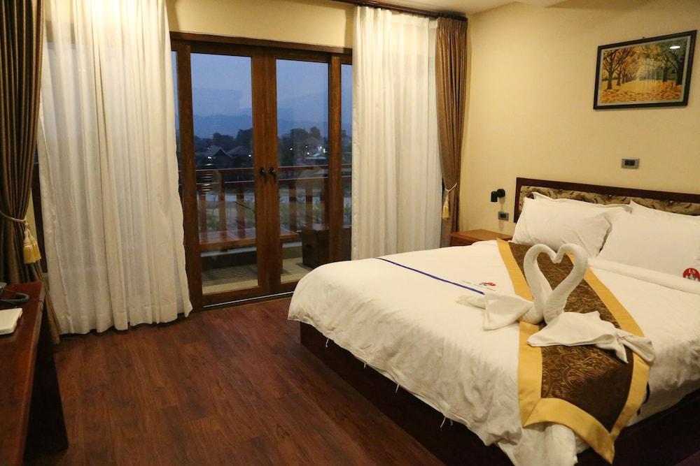 https://i.travelapi.com/hotels/45000000/44980000/44977100/44977042/5195c345_z.jpg