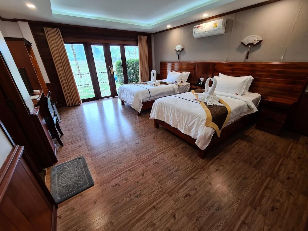 https://i.travelapi.com/hotels/45000000/44980000/44977100/44977042/559257d8_z.jpg