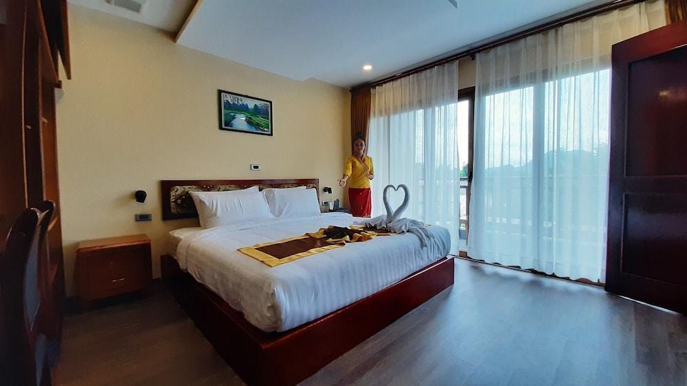https://i.travelapi.com/hotels/45000000/44980000/44977100/44977042/70d47727_z.jpg