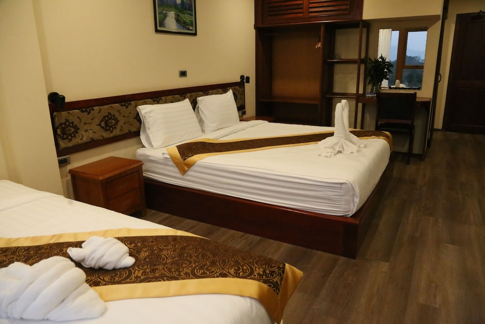 https://i.travelapi.com/hotels/45000000/44980000/44977100/44977042/f989ef8e_z.jpg