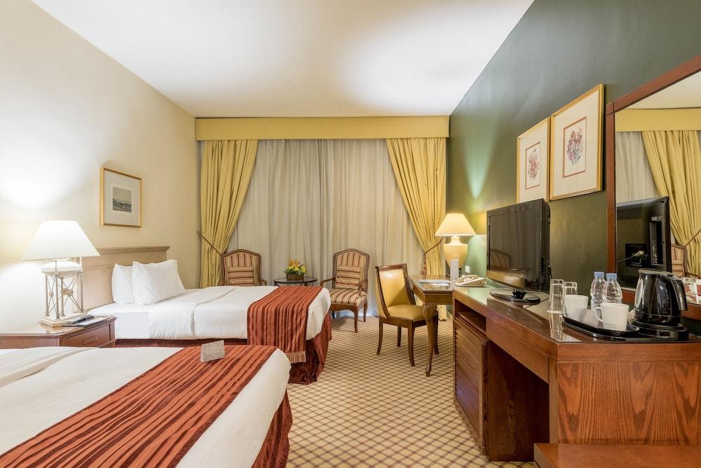 https://i.travelapi.com/hotels/46000000/45020000/45017300/45017212/978528e2_z.jpg