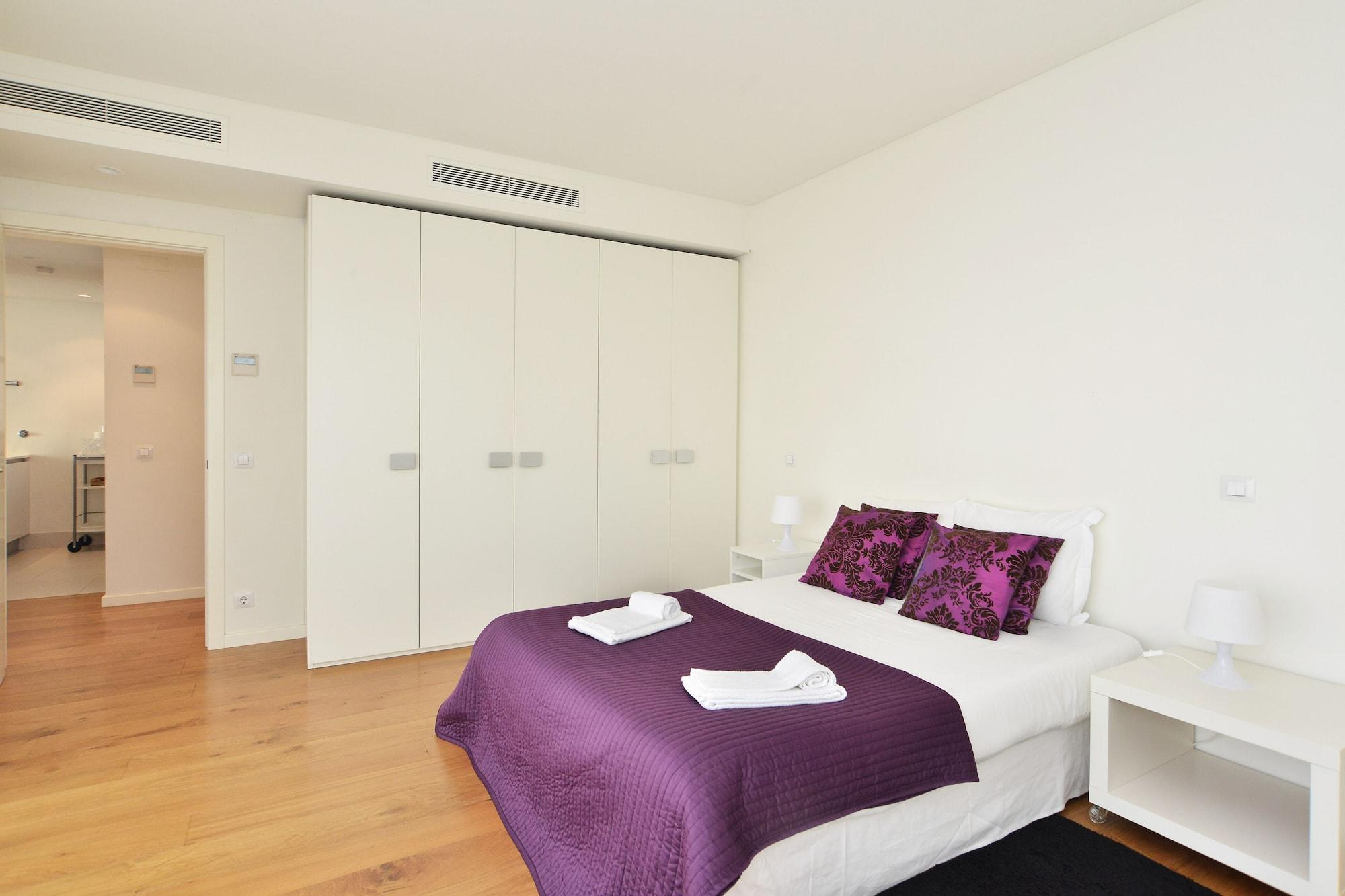 Sunny & Bright Amoreiras Apartment, Lisboa