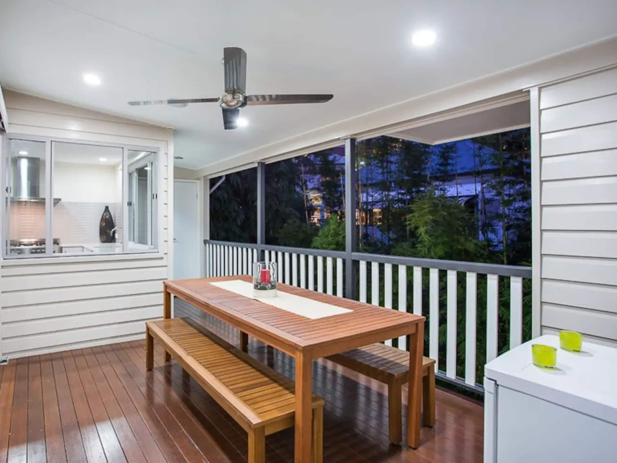 Renovated 3 Bedroom Home In Petrie Terrace, City - Remainder