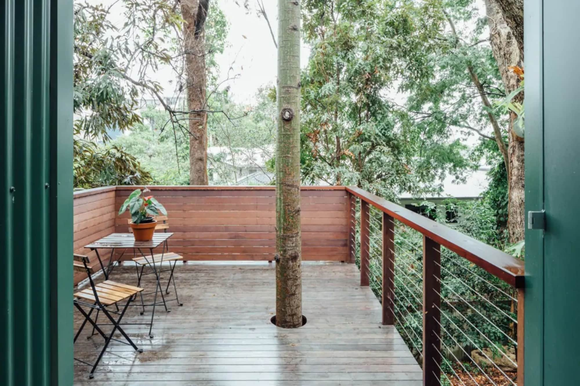 Treehouse Escape Close to Southbank, Highgate Hill