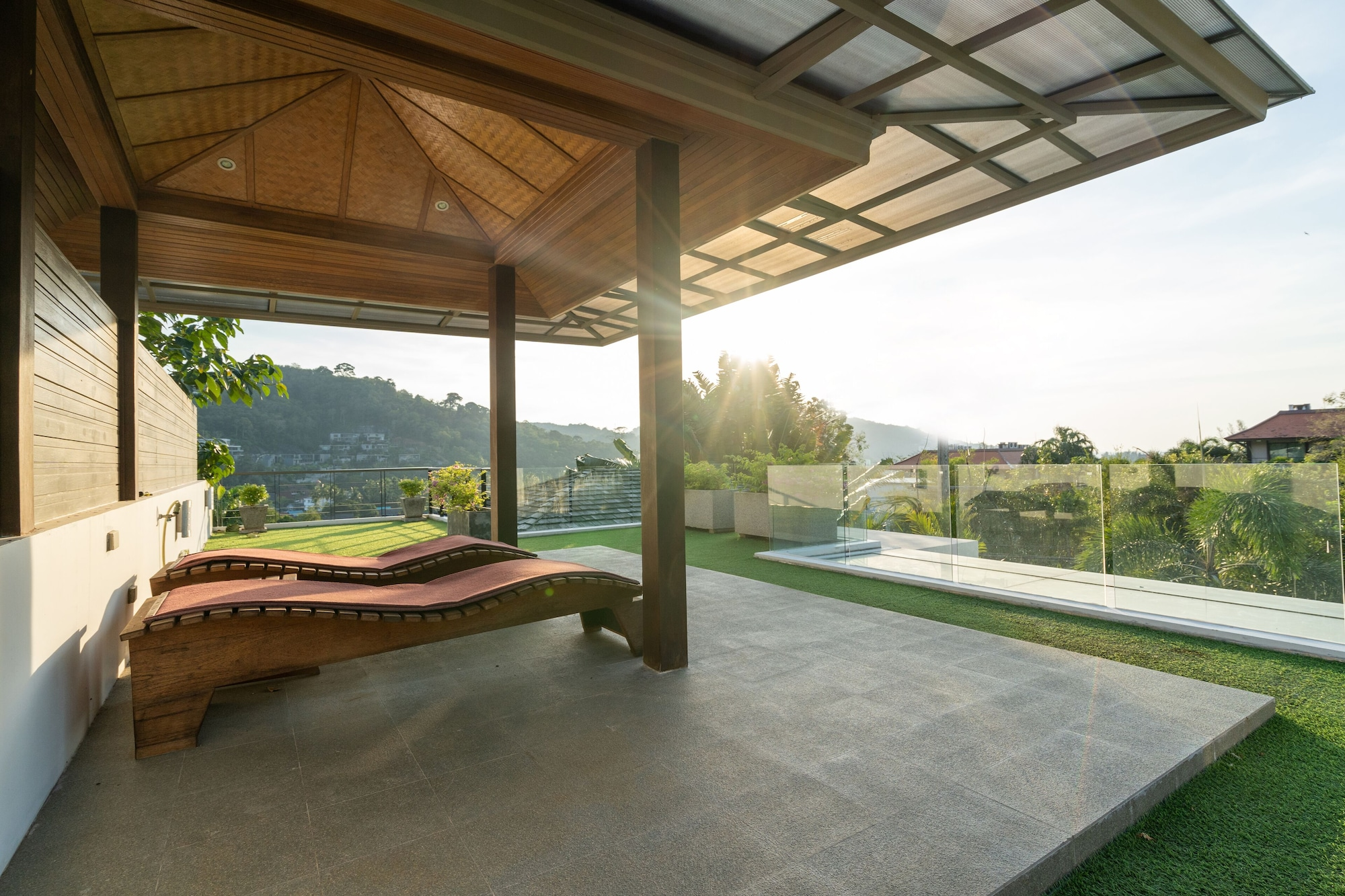 Tropical Pool Villa With Private Rooftop, Pulau Phuket