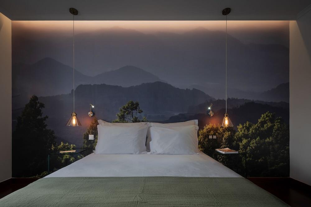 https://i.travelapi.com/hotels/46000000/45640000/45631100/45631041/f34bc8a9_z.jpg