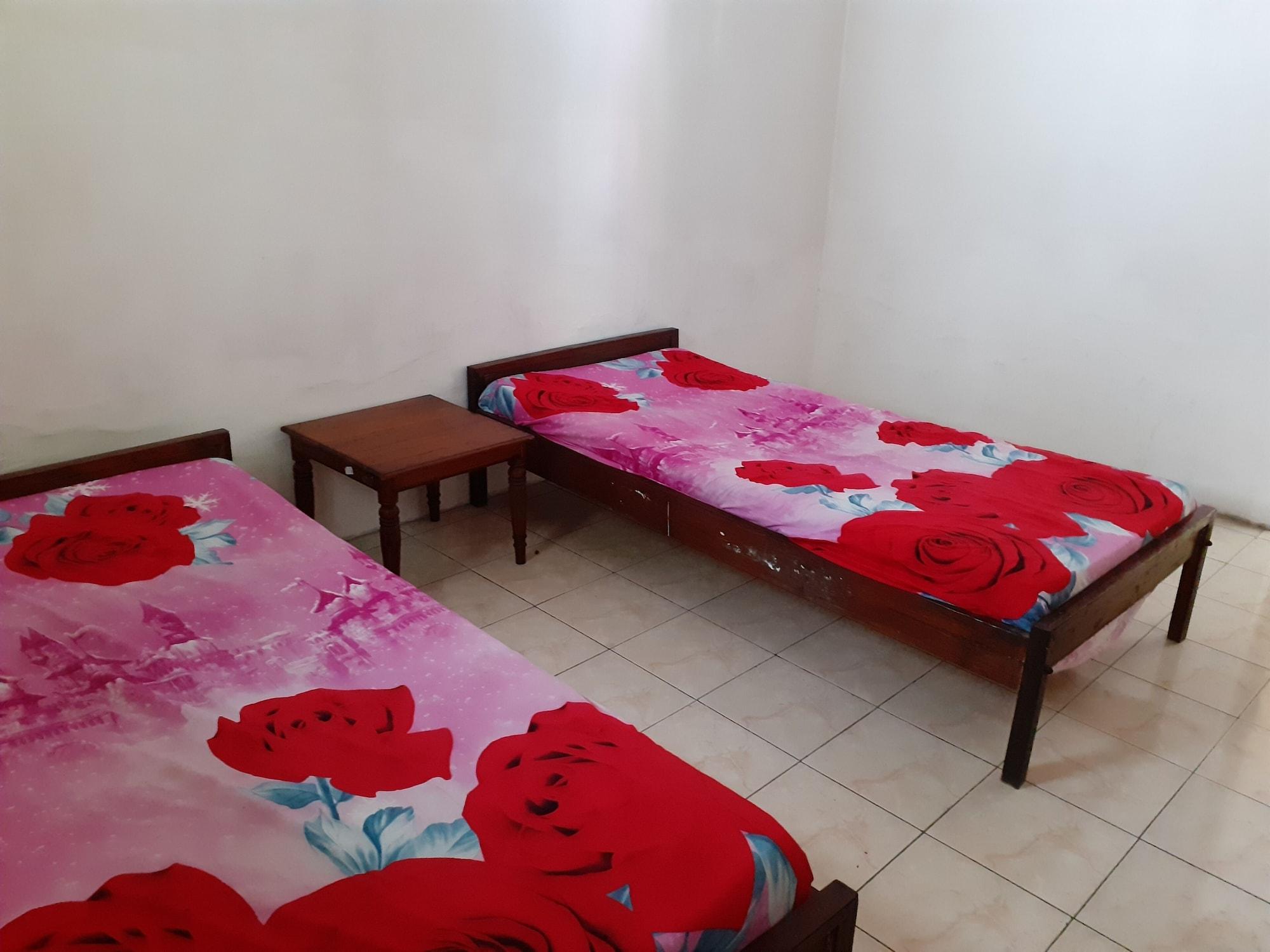 SPOT ON 2422 Hotel Moga Sari, Situbondo