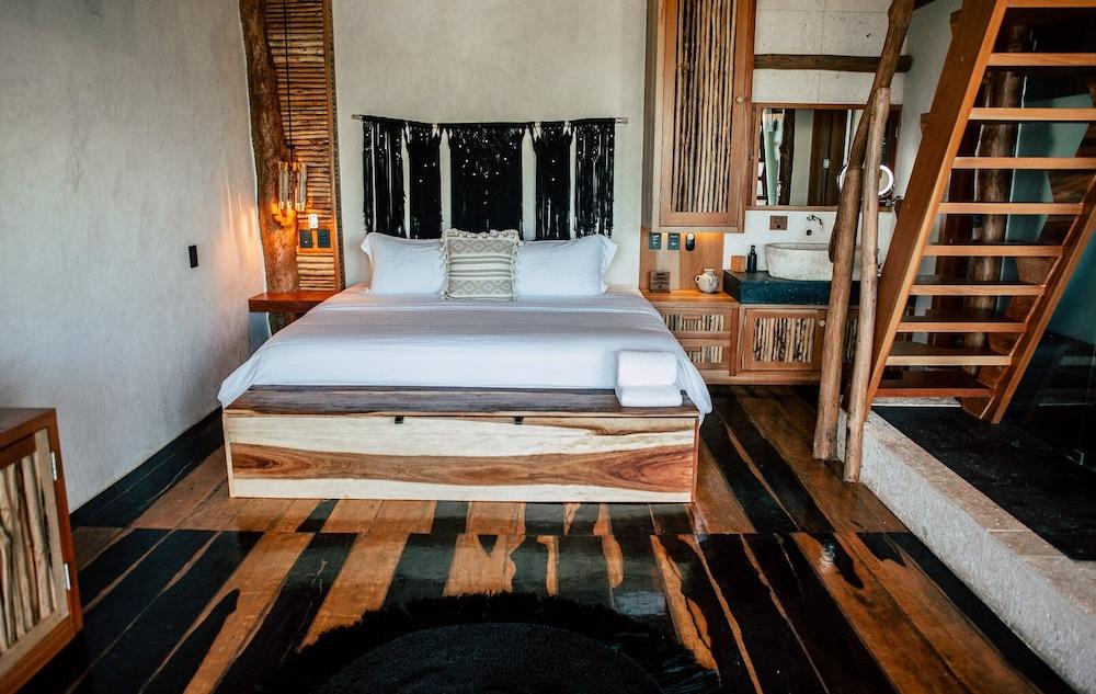 https://i.travelapi.com/hotels/46000000/45840000/45832200/45832185/1655a398_z.jpg