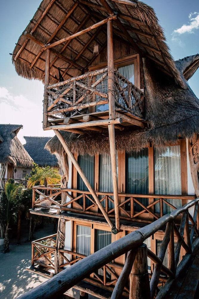 https://i.travelapi.com/hotels/46000000/45840000/45832200/45832185/30078373_z.jpg