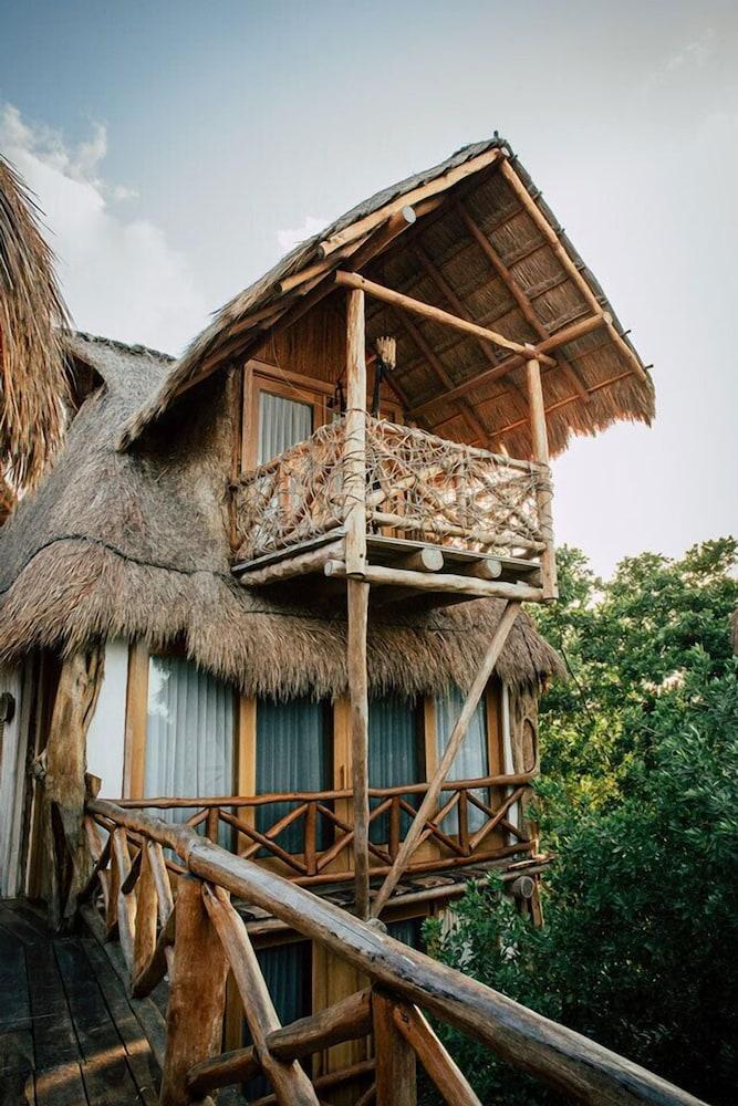 https://i.travelapi.com/hotels/46000000/45840000/45832200/45832185/78270cb7_z.jpg