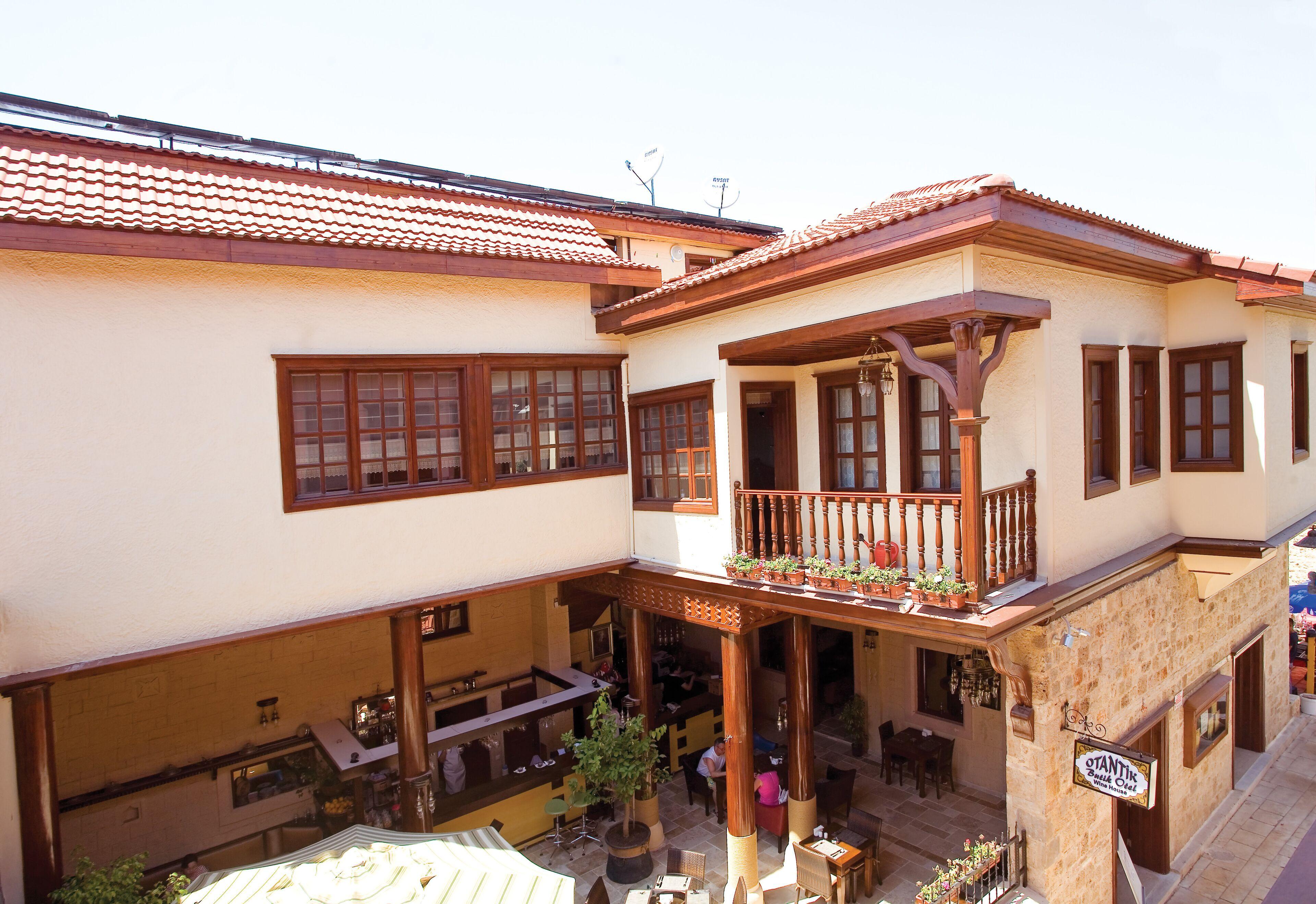 Cicerone Lodge