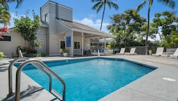 Big Island Kailua Bay Resort 1-306 by Coldwell Banker Island Vacations