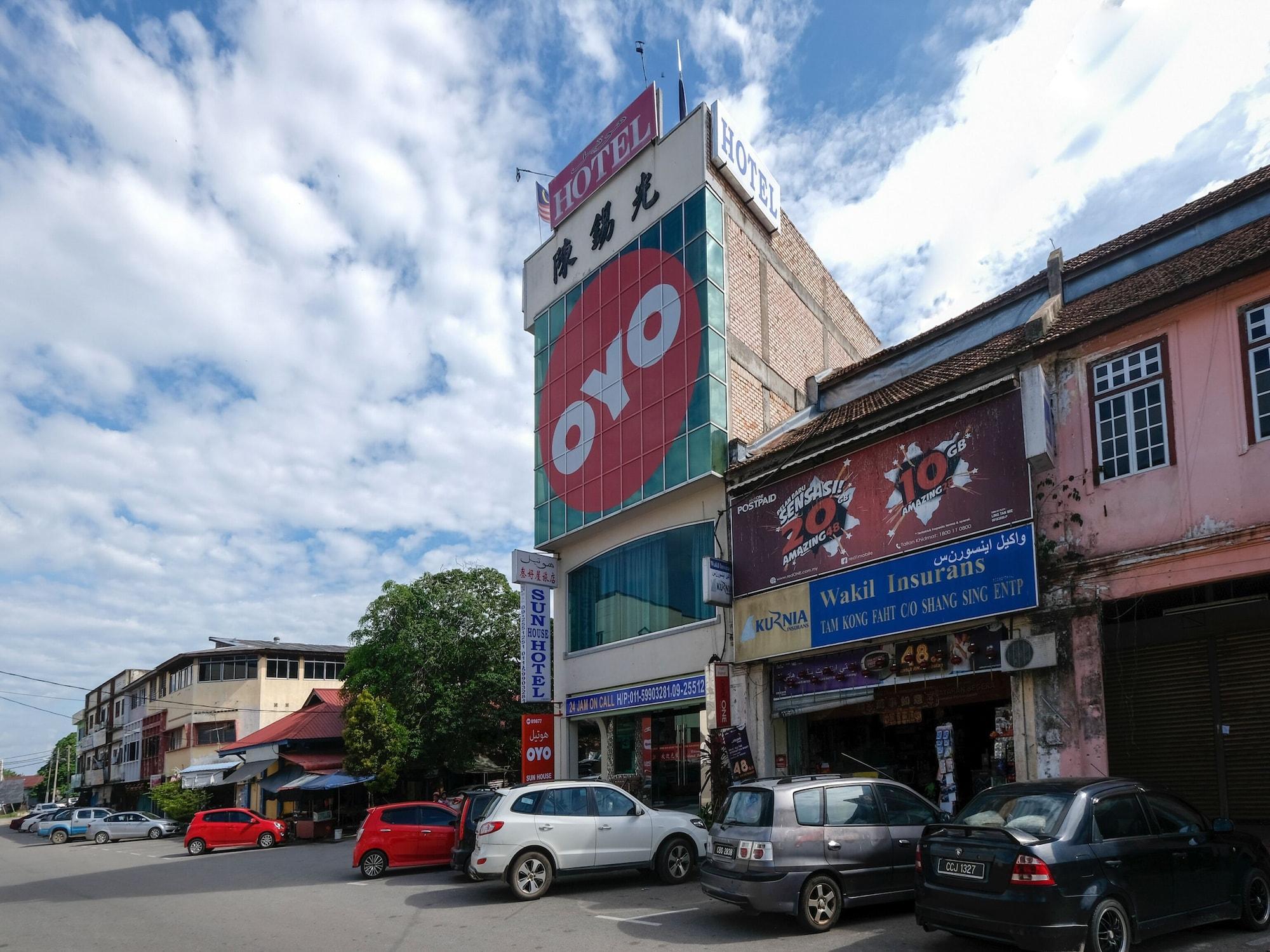 OYO 89877 Sun Triang Hotel, Bera