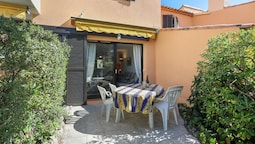 House With 2 Bedrooms in Saint-raphaël, With Shared Pool and Enclosed