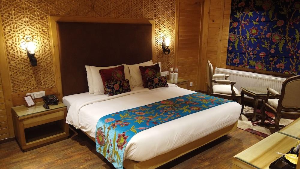 https://i.travelapi.com/hotels/47000000/46190000/46187100/46187039/1695ace7_z.jpg