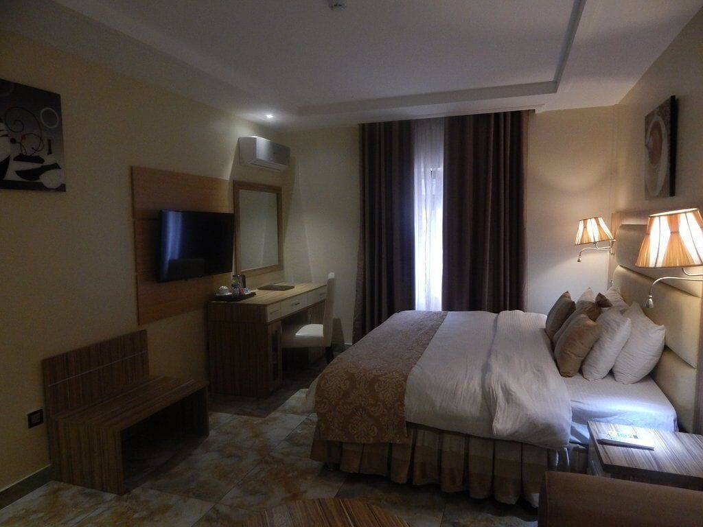 De Santiago Milan Hotel and Suites, Ajeromi/Ifelodun