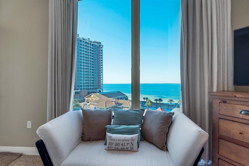 https://i.travelapi.com/hotels/47000000/46260000/46255300/46255271/577105da_z.jpg