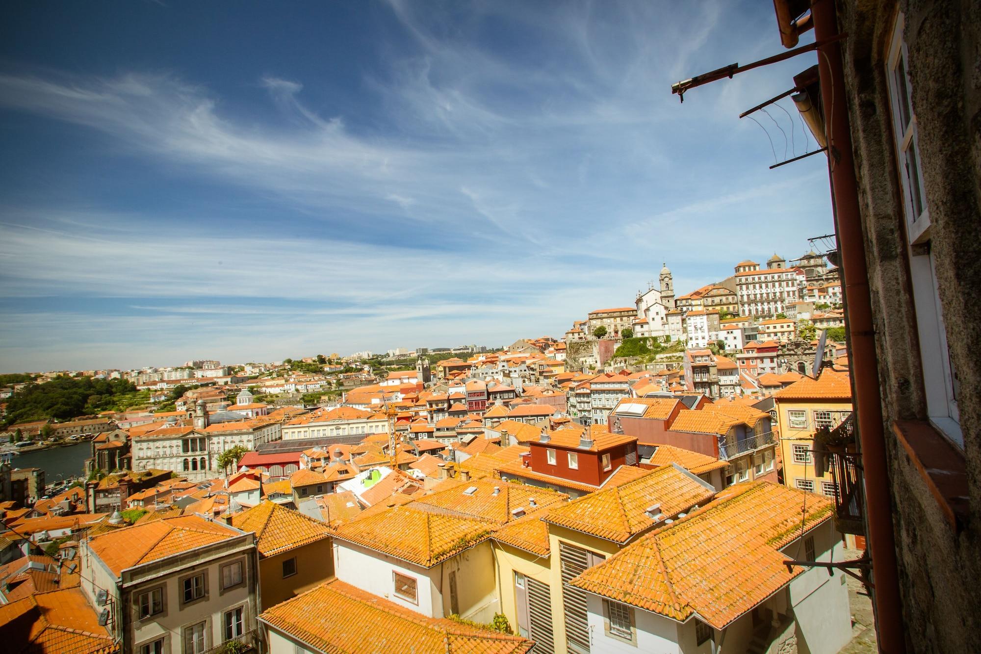 Porto & Douro Best Views by Porto City Hosts, Porto