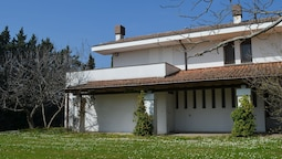 Villa With Garden and Splendid Panorama, Only a few Kilometers From th