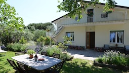 Holiday Home, 800 Metres From the Beaches