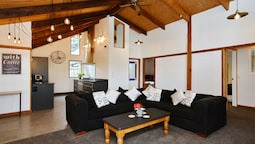 Pines Beach - Christchurch Holiday Homes