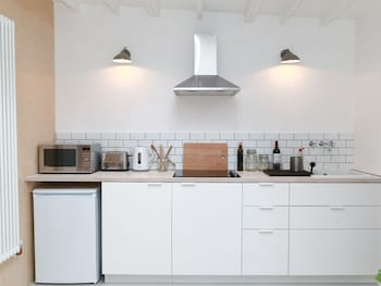 Modern Recently Converted Studio in East London