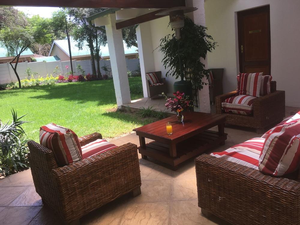 https://i.travelapi.com/hotels/48000000/47030000/47024300/47024227/12eeb31e_z.jpg