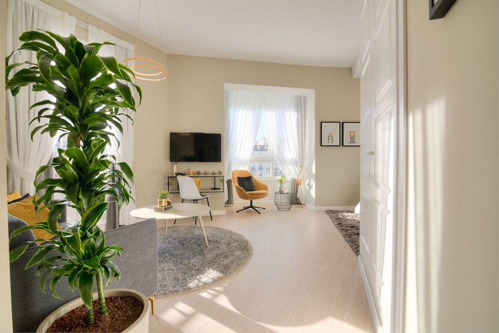 Nessun Dorma, Featured Image