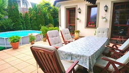 House With 3 Bedrooms in Šamorín, With Furnished Terrace and Wifi