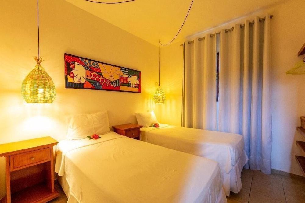 https://i.travelapi.com/hotels/49000000/48260000/48256400/48256393/b3efe3eb_z.jpg