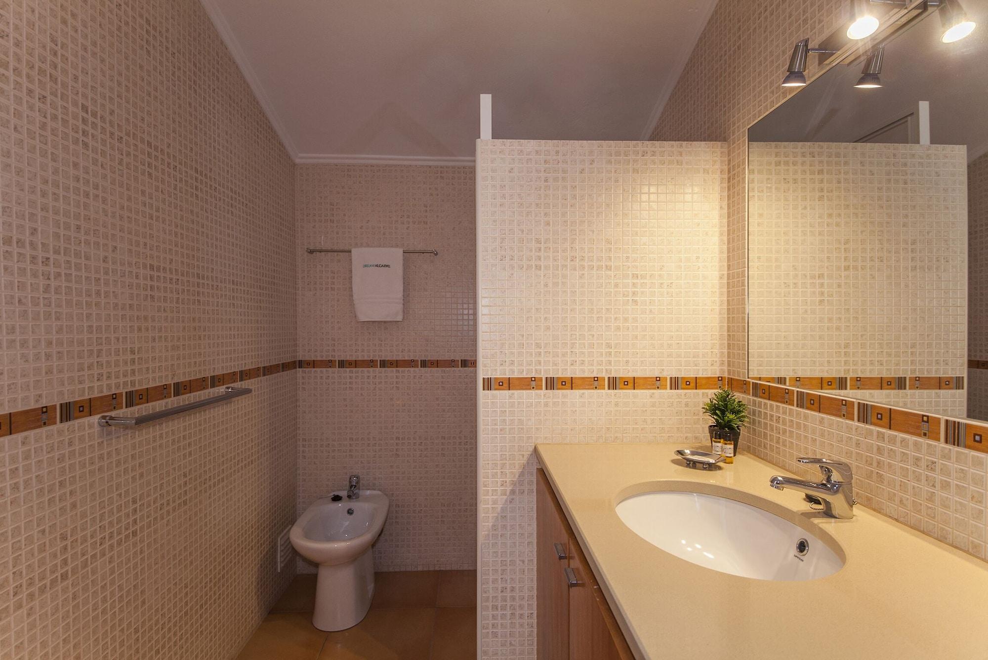 A14 - Cozy Torraltinha Apartment, Lagos
