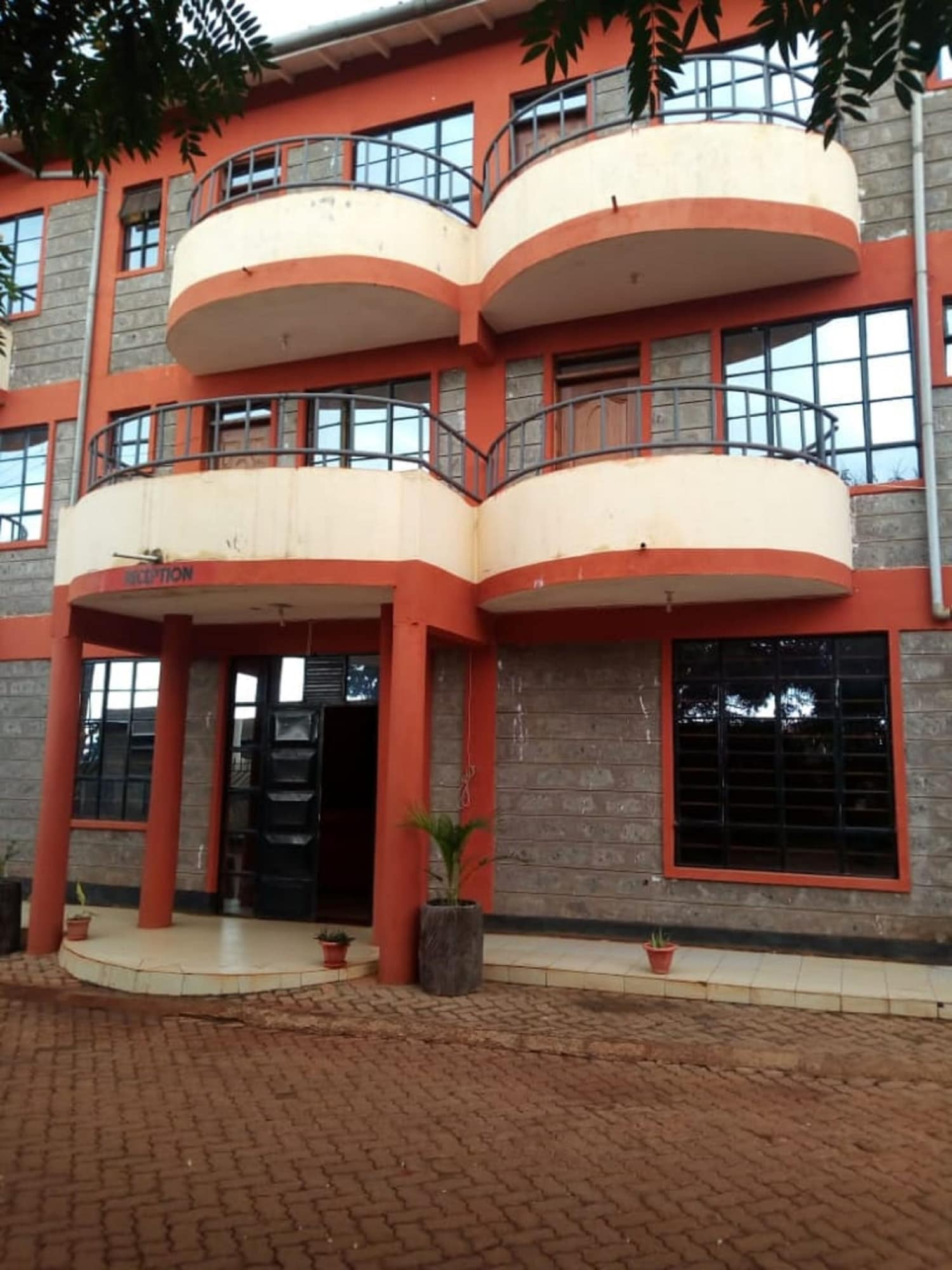 Makindu Diamond Hotel, Kibwezi West