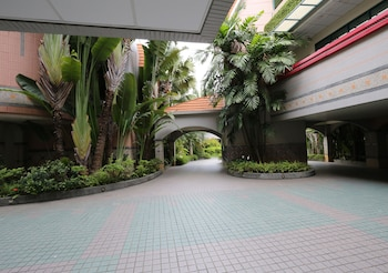 Royal Group Motel Ming Chen Branch
