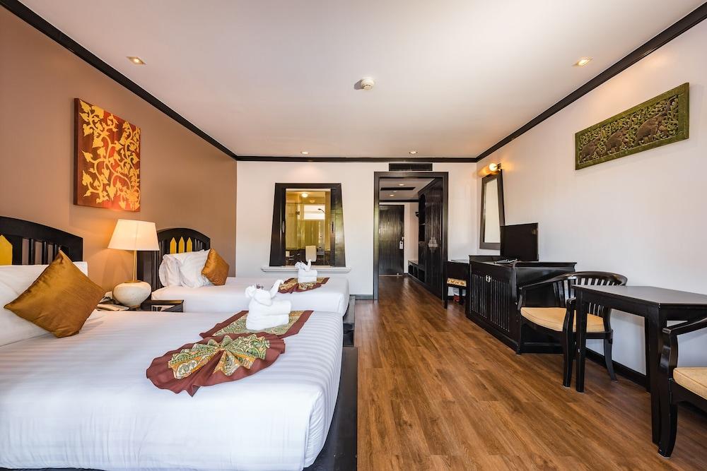 https://i.travelapi.com/hotels/49000000/48460000/48452300/48452226/10618f08_z.jpg