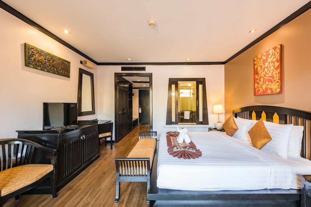https://i.travelapi.com/hotels/49000000/48460000/48452300/48452226/983b4207_z.jpg