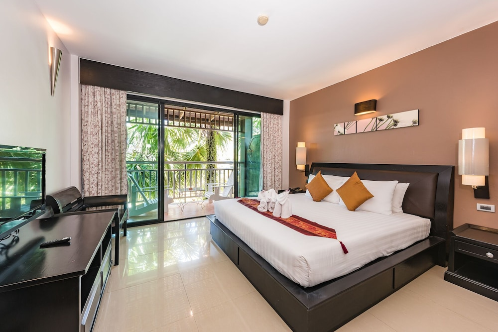 https://i.travelapi.com/hotels/49000000/48460000/48452300/48452226/9dfd1a45_z.jpg