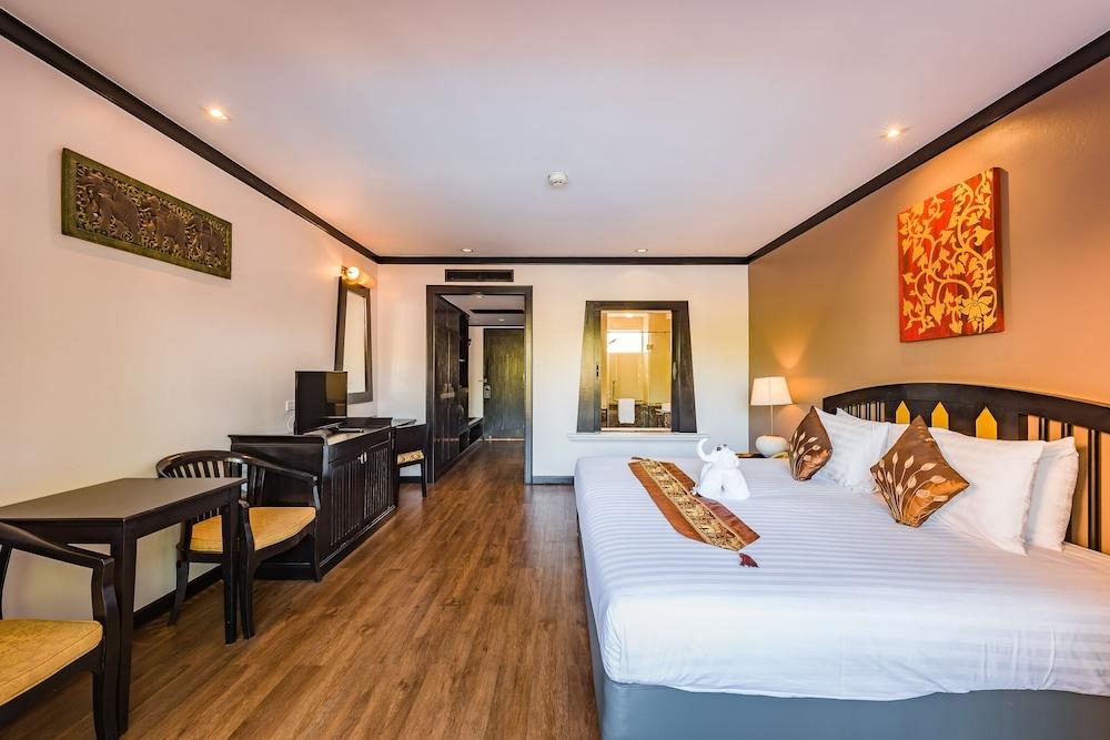 https://i.travelapi.com/hotels/49000000/48460000/48452300/48452226/a0edd959_z.jpg