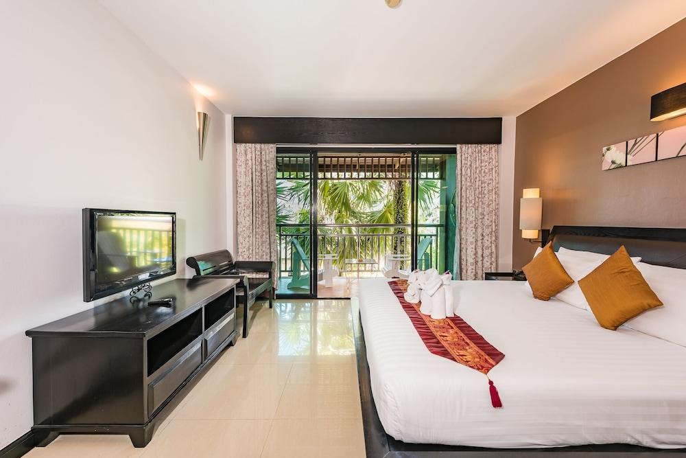 https://i.travelapi.com/hotels/49000000/48460000/48452300/48452226/b6e7f1f6_z.jpg