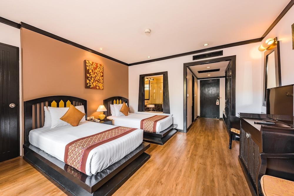 https://i.travelapi.com/hotels/49000000/48460000/48452300/48452226/d5506c43_z.jpg