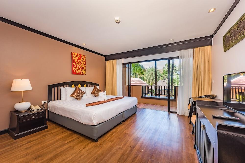 https://i.travelapi.com/hotels/49000000/48460000/48452300/48452226/f2bb3b7b_z.jpg