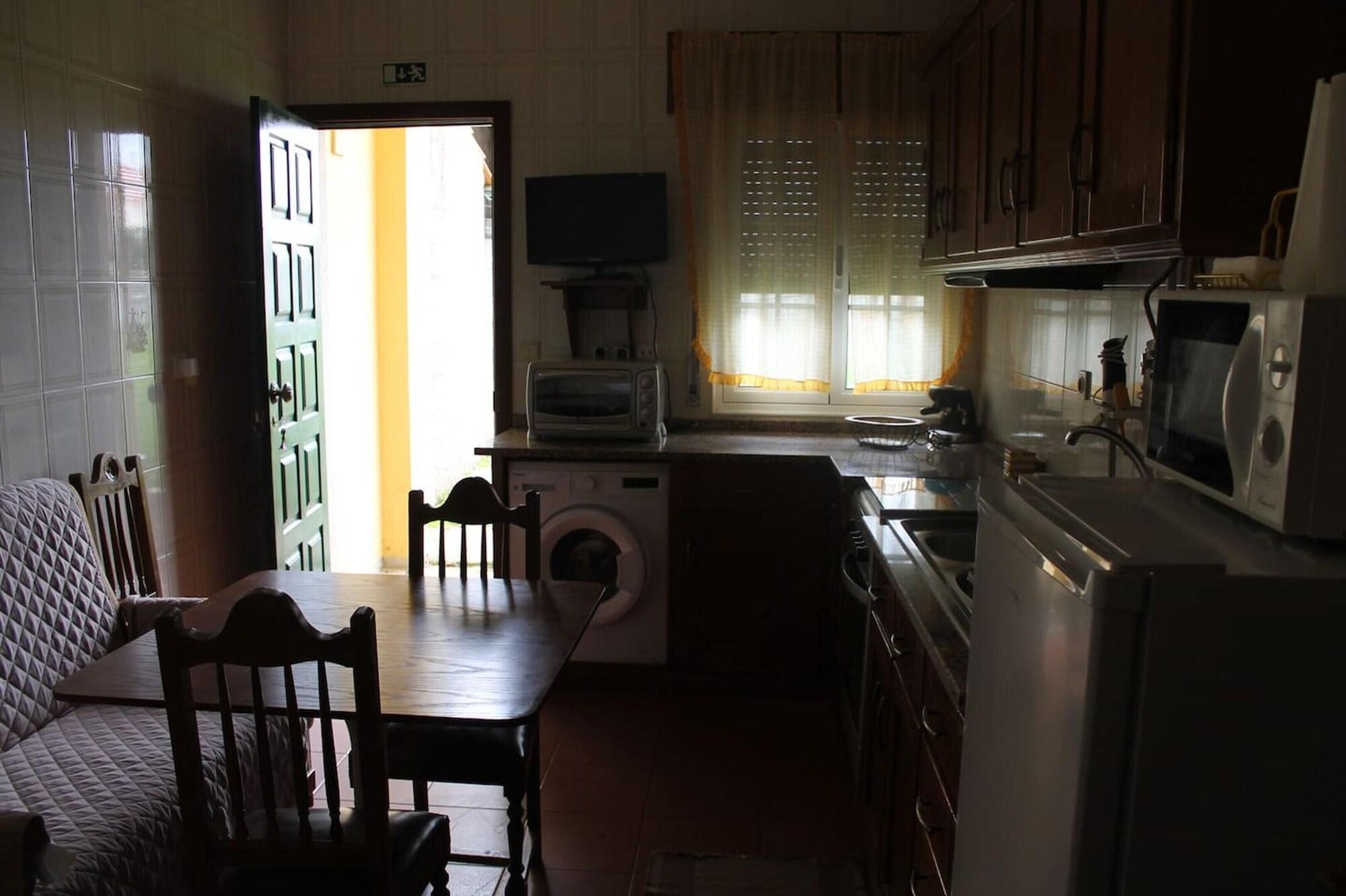 House With 2 Bedrooms in Macedo de Cavaleiros, With Enclosed Garden and Wifi, Macedo de Cavaleiros