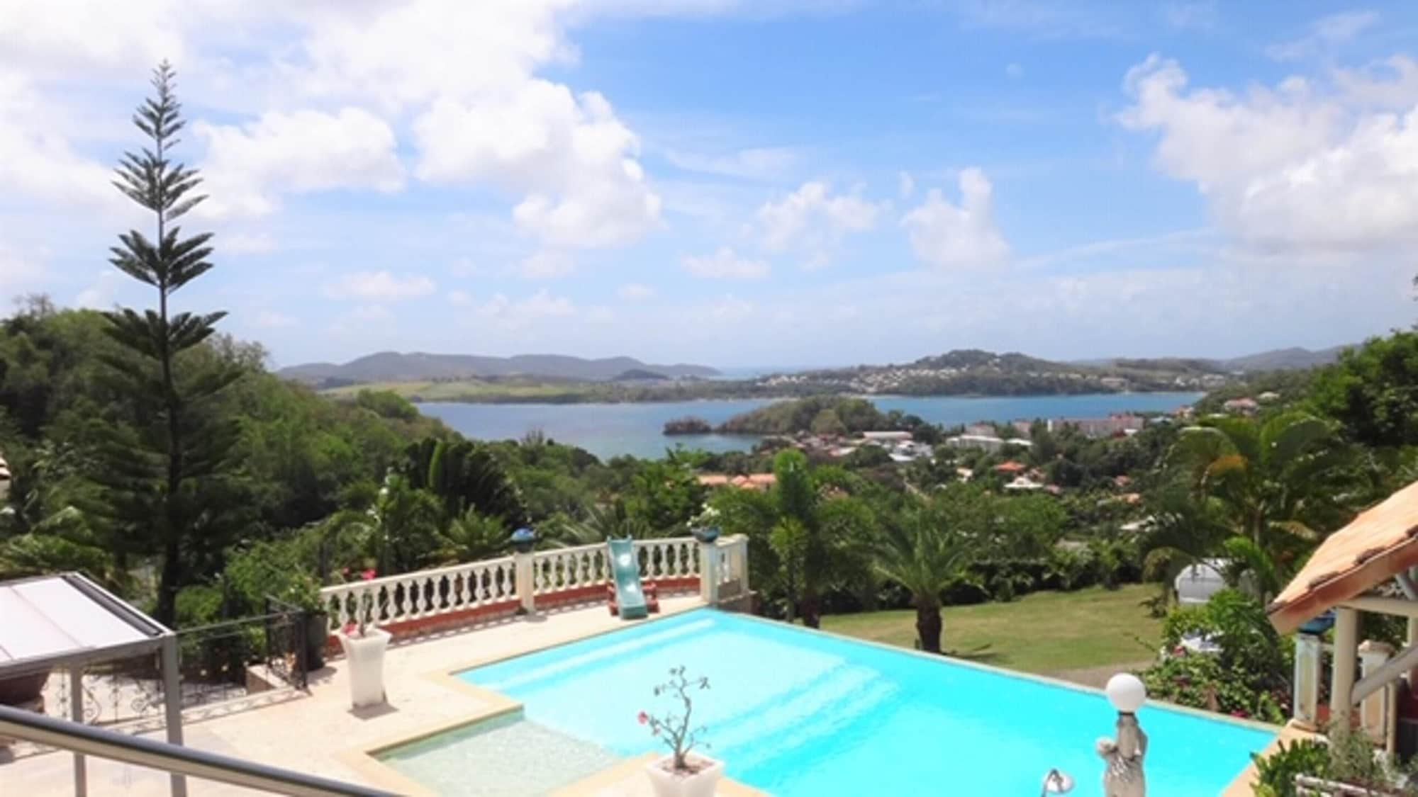 House With 2 Bedrooms in La Trinité, With Wonderful sea View, Shared Pool, Enclosed Garden - 2 km From the Beach, La Trinité