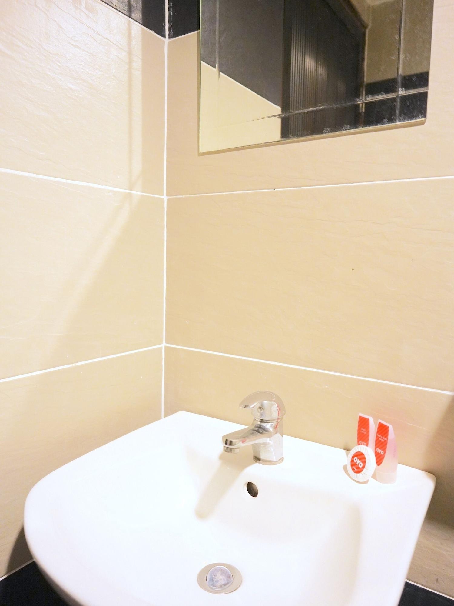 SPOT ON 89992 Hotel Azra, Machang
