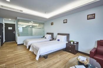 menippe hotel