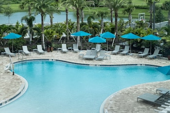 Hampton Inn & Suites Cape Canaveral Cruise Port Hampton Inn & Suites Cape Canaveral Cruise Port
